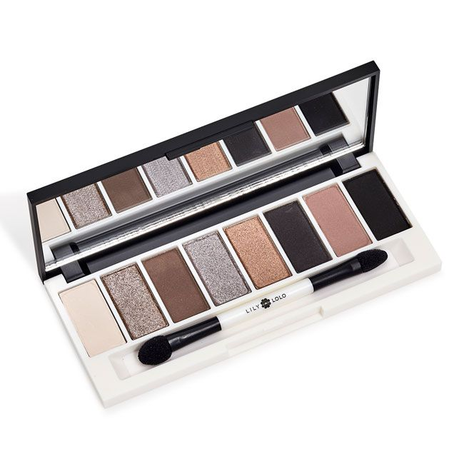 Lily Lolo Pedal to the Metal Eye Palette: Vegan friendly, GMO free, Gluten free. Time to give your look some serious va va voom! Our hot new Eye Palette takes it up a gear with 8 highly pigmented, metallic shadows for creating intensely shimmering look.