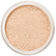 Lily Lolo Caramel Cover Up: Gluten free, vegan. Medium concealer is great for hard to cover areas such as spots and blemishes. Suitable for medium skin tones.